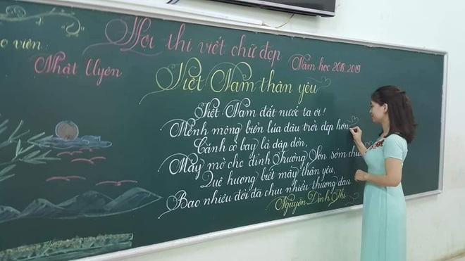 Khi giáo viên tiểu học đi thi viết chữ đẹp: Không máy in hay font chữ xịn sò nào có thể sánh ngang với bàn tay cô giáo!-6