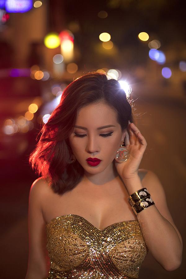 Hoa hậu Thu Hoài đậm chất đàn bà phố thị lôi cuốn và sang trọng trong bộ ảnh mới-4