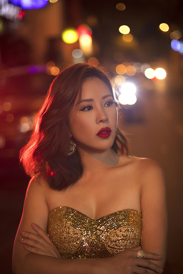 Hoa hậu Thu Hoài đậm chất đàn bà phố thị lôi cuốn và sang trọng trong bộ ảnh mới-6