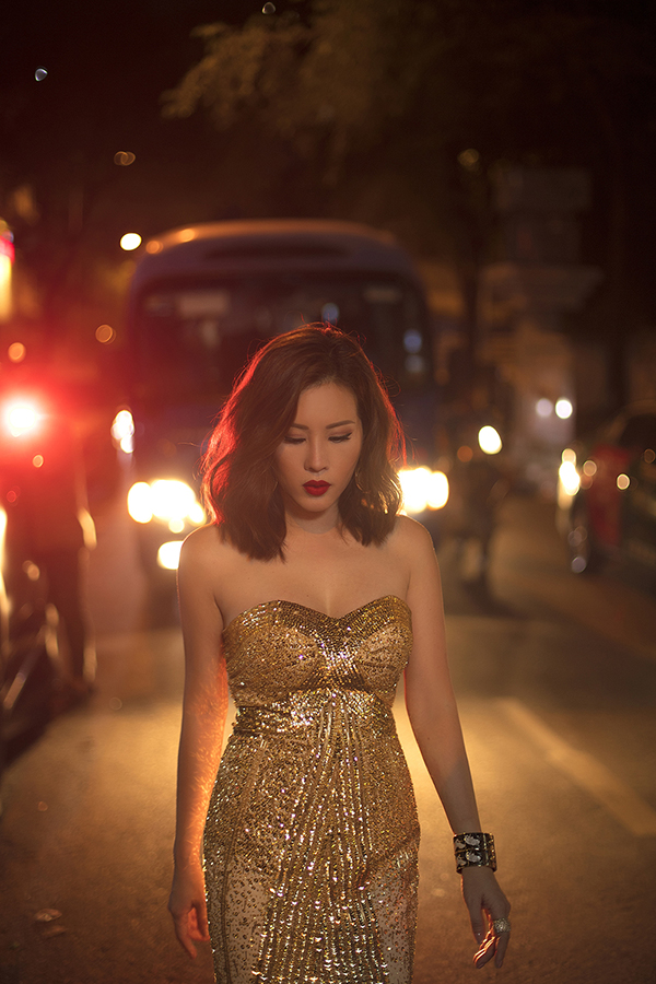 Hoa hậu Thu Hoài đậm chất đàn bà phố thị lôi cuốn và sang trọng trong bộ ảnh mới-7