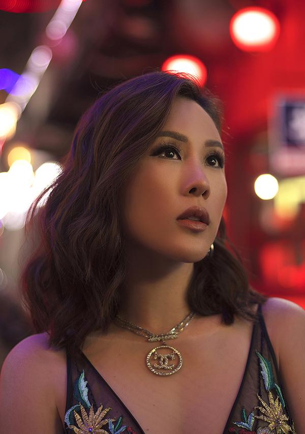 Hoa hậu Thu Hoài đậm chất đàn bà phố thị lôi cuốn và sang trọng trong bộ ảnh mới-9