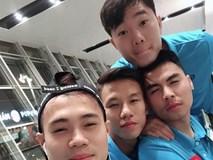 Xuân Trường và đồng đội lạnh co ro khi tới Hàn Quốc
