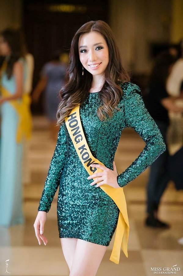 Phương Nga đầm lông vũ lộng lẫy dự phần thi phỏng vấn ở Miss Grand-4