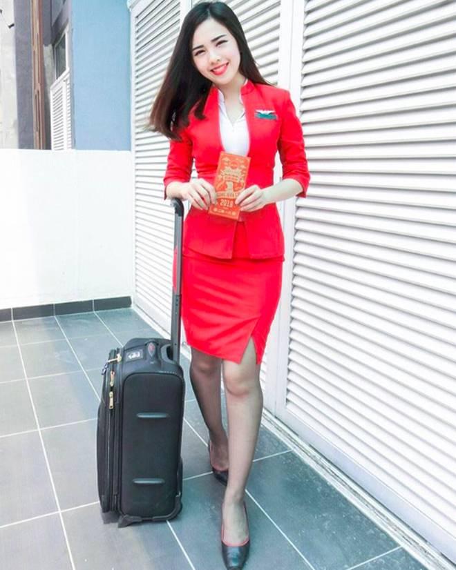 Nữ tiếp viên hàng không Malaysia gây sốt trên MXH chỉ sau tấm ảnh chụp trộm của hành khách-5