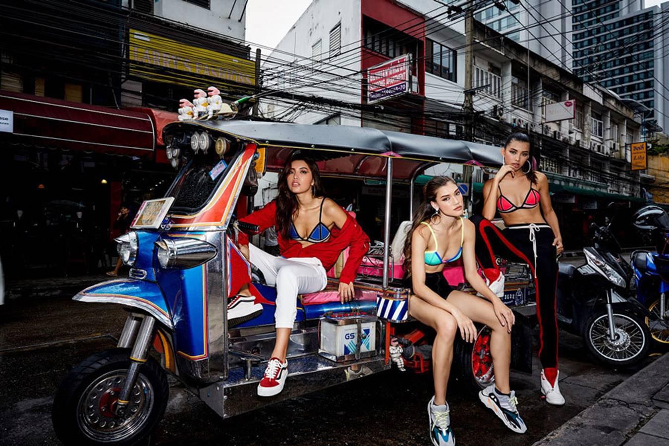 Minh Tú cùng học trò diện bikini ra chợ-3