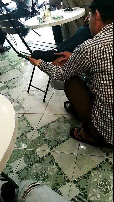 Đánh giày bị chặt chém đến 450.000 đồng, khách kiên quyết không đưa tiền-2