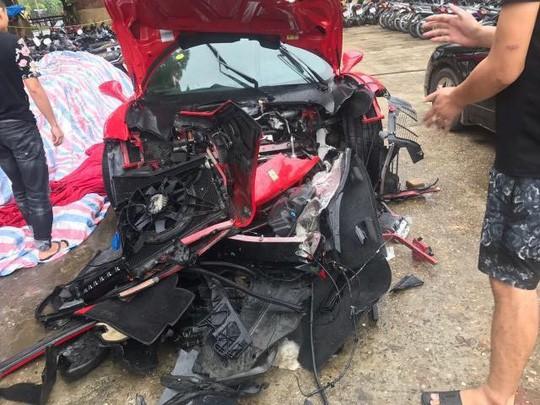 Công an bàn giao siêu xe Ferrari 488 bị tai nạn cho ca sĩ Tuấn Hưng-1