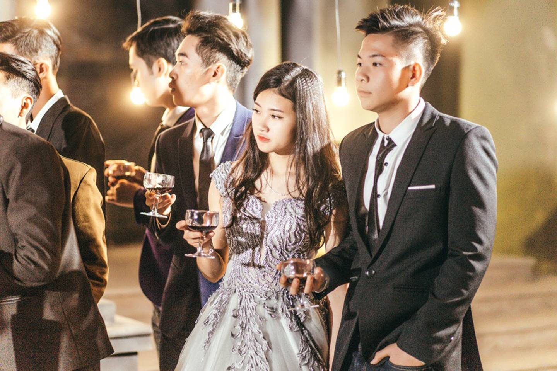 Khi rich kids Việt chụp ảnh kỷ yếu: Lớp chi 80 triệu đi Đà Lạt, lớp chụp hết 40 triệu ở phim trường-3