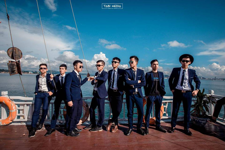 Khi rich kids Việt chụp ảnh kỷ yếu: Lớp chi 80 triệu đi Đà Lạt, lớp chụp hết 40 triệu ở phim trường-13