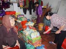 Bà mẹ mù gần 90 tuổi và con gái tâm thần giữa Hà Nội: