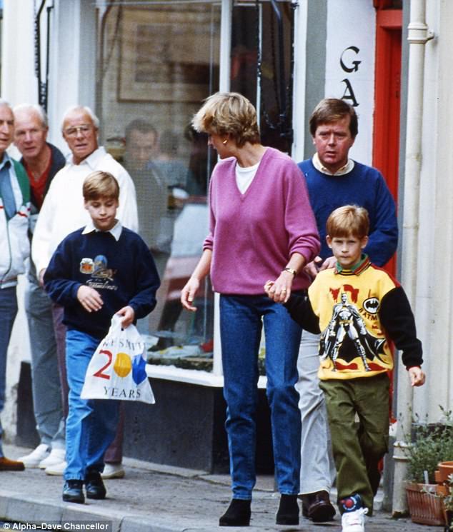 Lần đầu tiết lộ Công nương Diana từng thừa nhận thiên vị Hoàng tử Harry hơn William vì lý do nhạy cảm này-3