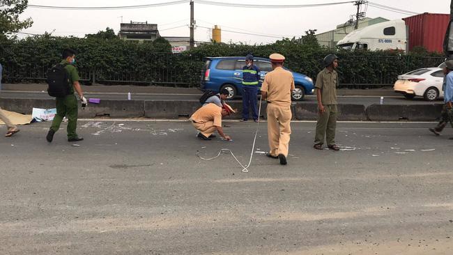 Tai nạn kinh hoàng tại Sài Gòn: 2 người chết, 3 người bị thương nặng, giao thông ùn tắc nghiêm trọng-1