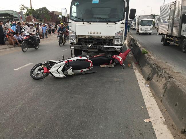 Tai nạn kinh hoàng tại Sài Gòn: 2 người chết, 3 người bị thương nặng, giao thông ùn tắc nghiêm trọng-3