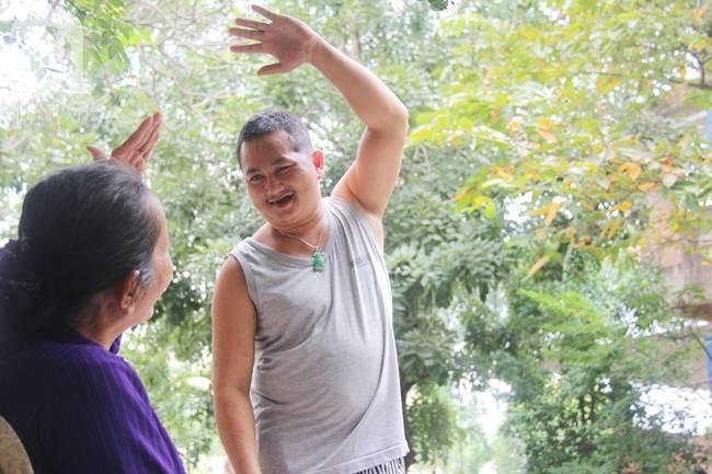 Nụ cười hạnh phúc của mẹ: 33 tuổi, đứa con trai đã biết nói, biết đi sau khi được ông trời trả lại-11