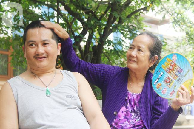 Nụ cười hạnh phúc của mẹ: 33 tuổi, đứa con trai đã biết nói, biết đi sau khi được ông trời trả lại-8