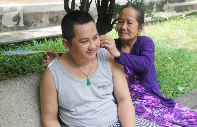 Nụ cười hạnh phúc của mẹ: 33 tuổi, đứa con trai đã biết nói, biết đi sau khi được ông trời trả lại-12