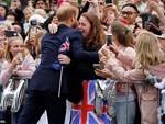 Hoàng tử Harry hé lộ Công nương Meghan Markle đang mang bầu bé gái?-6