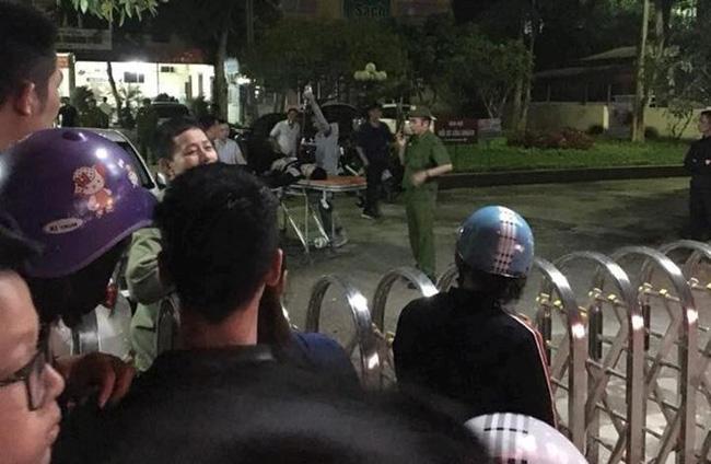 Thanh Hóa: Giang hồ bắn nhau ngoài phố, truy sát vào tận bệnh viện khiến nhiều người sợ hãi-1