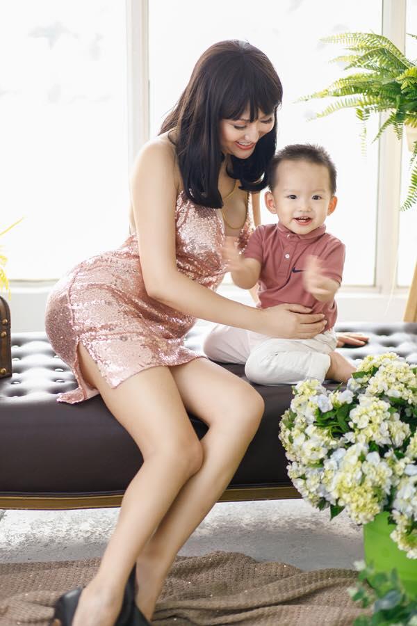 Phi Thanh Vân mua đất xây cung điện khủng tặng riêng gia đình-5