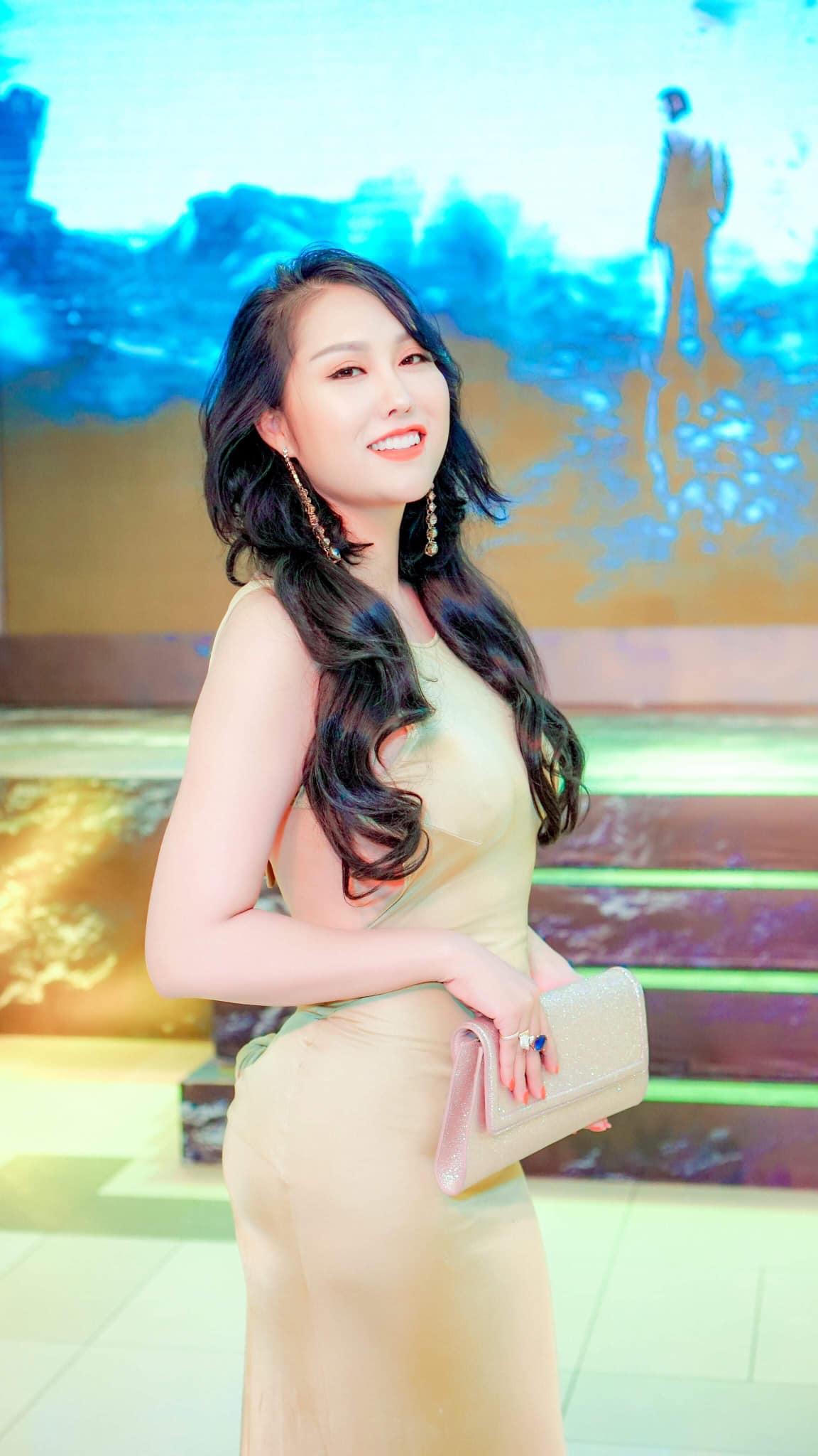 Phi Thanh Vân mua đất xây cung điện khủng tặng riêng gia đình-1