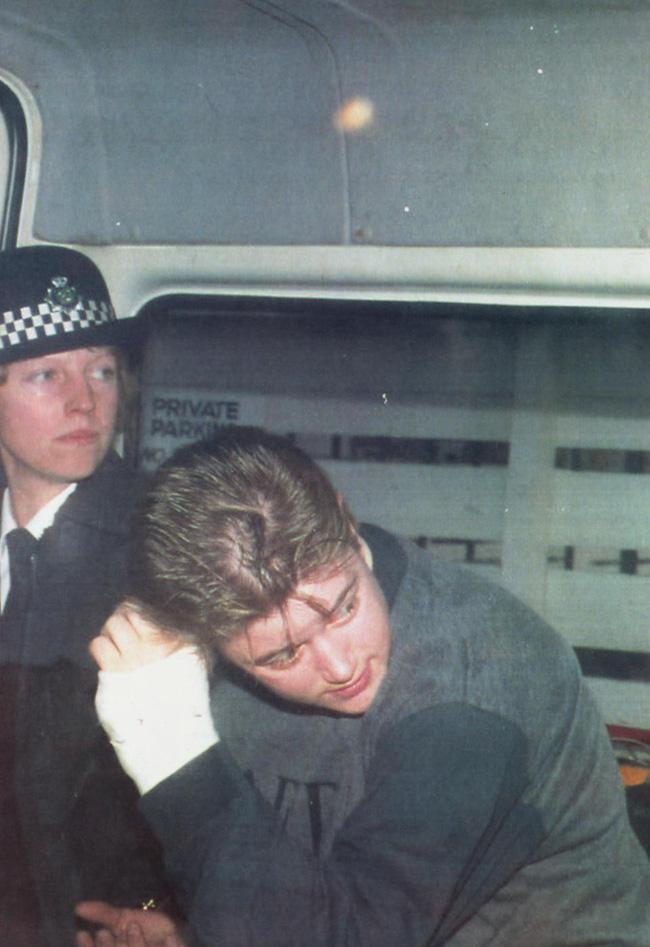 13 án chung thân cho nữ y tá tử thần giết hại hàng loạt đứa trẻ vô tội gây rúng động nước Anh 27 năm trước-6