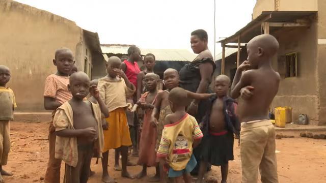 Cuộc sống không ngờ của người phụ nữ mắn đẻ nhất thế giới, 40 tuổi sinh 44 đứa con-4