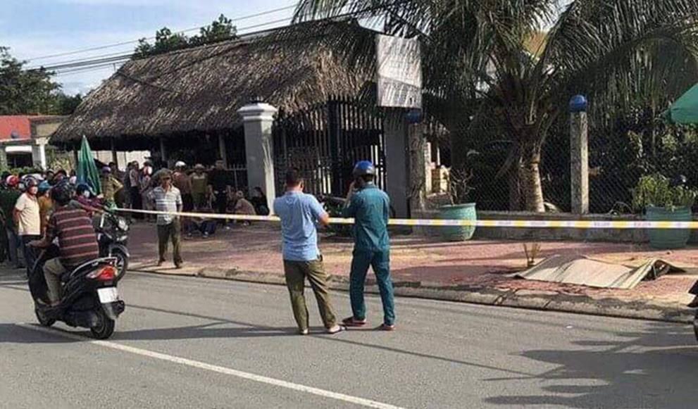 Vụ chủ quán cà phê bị sát hại: Nạn nhân ôm cổ đầy máu chạy ra đường kêu cứu-2
