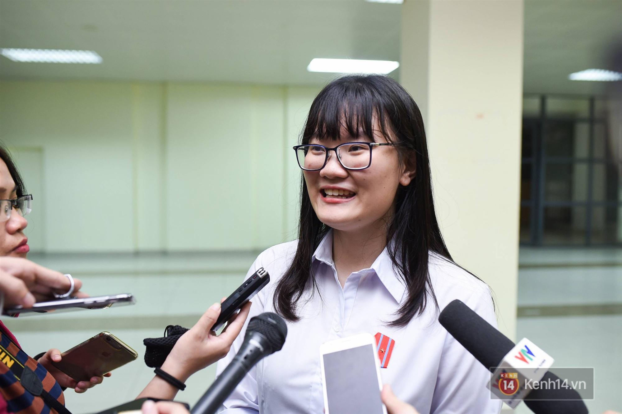 Nữ sinh 2000 giành HCV Olympic Sinh học Quốc tế, đạt kỷ lục thí sinh có điểm thi cao nhất thế giới: Ba lô đến trường nặng 8kg toàn là sách vở-7