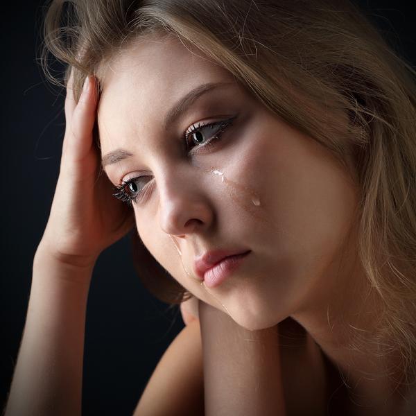 Ngày chồng mất, mẹ chồng chửi tôi máu lạnh, vậy mà sau đó bà lại phải xin sự tha thứ từ tôi-1