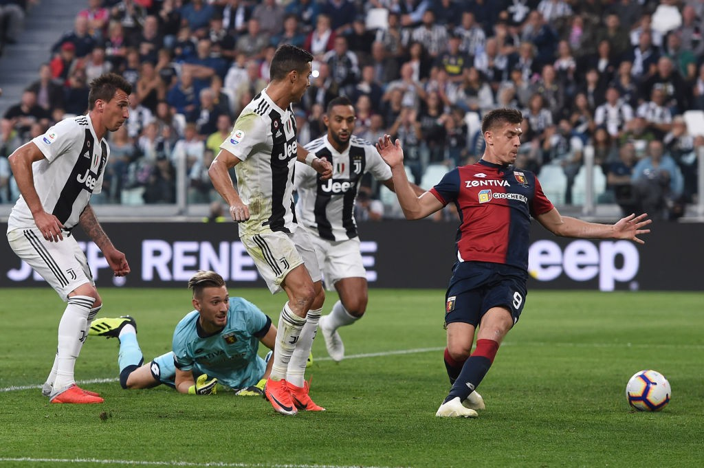 Chu kỳ ăn - ngủ - ghi bàn - lập kỷ lục của Ronaldo lại được tái khởi động-2