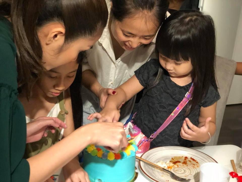 Vợ chồng Hà Tăng sóng đôi xuất hiện, mang món quà đặc biệt đến chúc mừng sinh nhật con gái Phạm Anh Khoa-2
