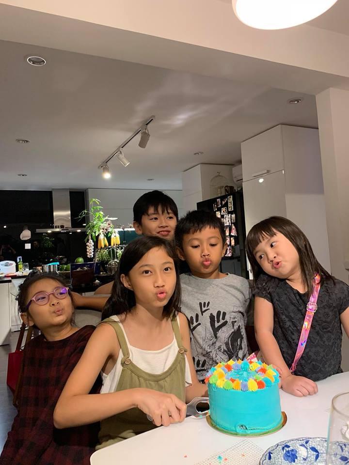 Vợ chồng Hà Tăng sóng đôi xuất hiện, mang món quà đặc biệt đến chúc mừng sinh nhật con gái Phạm Anh Khoa-5