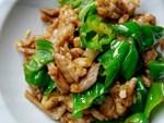 Trước khi xào thịt, hãy thêm một bước nữa để món thịt heo xào lăn được mềm ngon, thơm lừng xuất sắc khiến ai ăn cũng phải khen-2