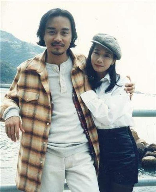 Mao Thuấn Quân: Hai lần từ chối lời cầu hôn của Trương Quốc Vinh và 3 cuộc hôn nhân đẫm nước mắt-2