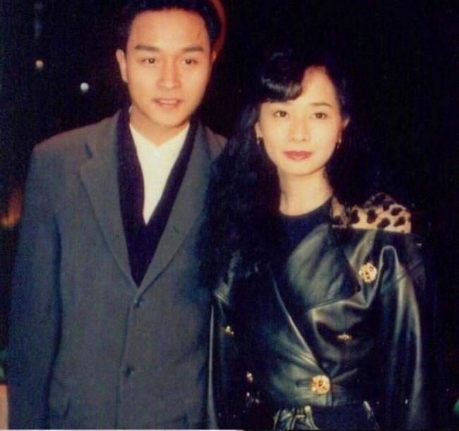 Mao Thuấn Quân: Hai lần từ chối lời cầu hôn của Trương Quốc Vinh và 3 cuộc hôn nhân đẫm nước mắt-3