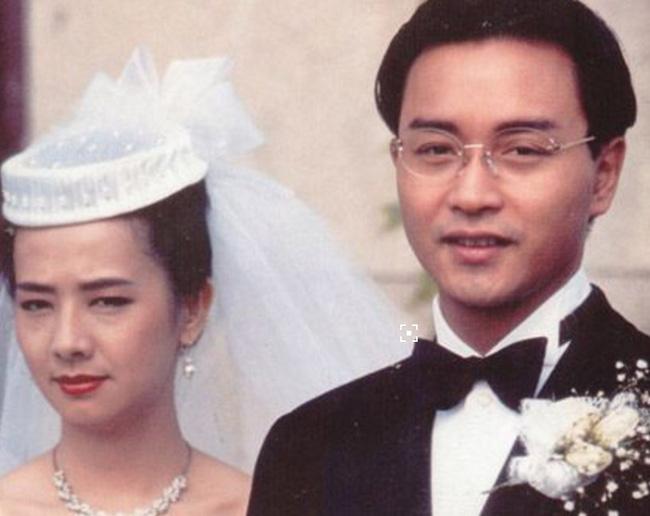 Mao Thuấn Quân: Hai lần từ chối lời cầu hôn của Trương Quốc Vinh và 3 cuộc hôn nhân đẫm nước mắt-6