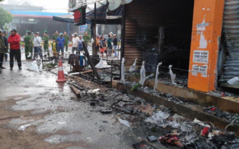 2 cô gái chết ngạt trong cửa hàng hoa bị thiêu rụi-2