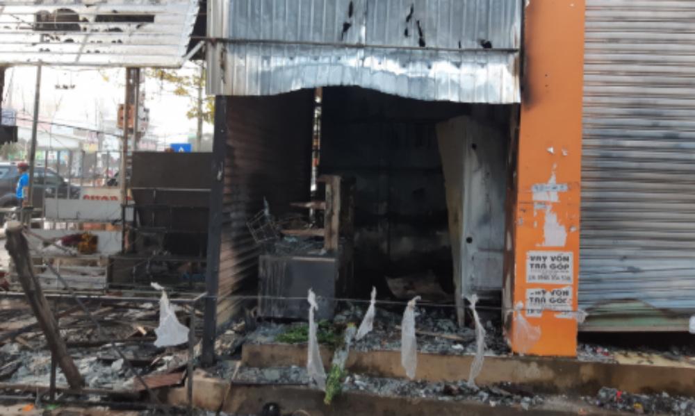 2 cô gái chết ngạt trong cửa hàng hoa bị thiêu rụi-3