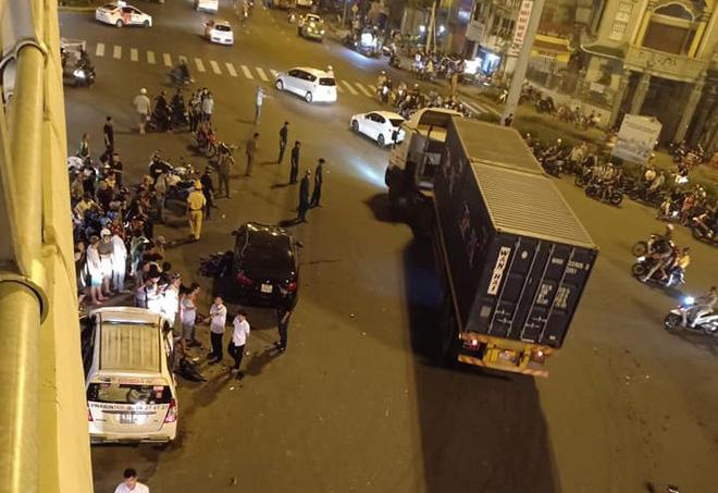 Danh tính nữ tài xế điều khiển xe BMW gây tai nạn kinh hoàng khiến 1 người chết ở ngã tư Hàng Xanh-3