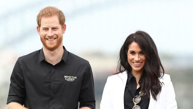 Hoàng tử Harry hé lộ Công nương Meghan Markle đang mang bầu bé gái?-1