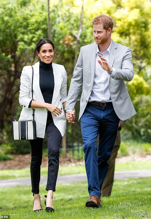 Hoàng tử Harry hé lộ Công nương Meghan Markle đang mang bầu bé gái?-2