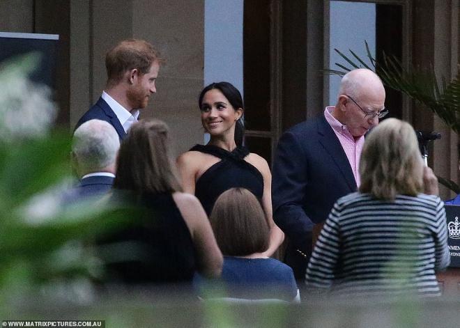 Hoàng tử Harry hé lộ Công nương Meghan Markle đang mang bầu bé gái?-5