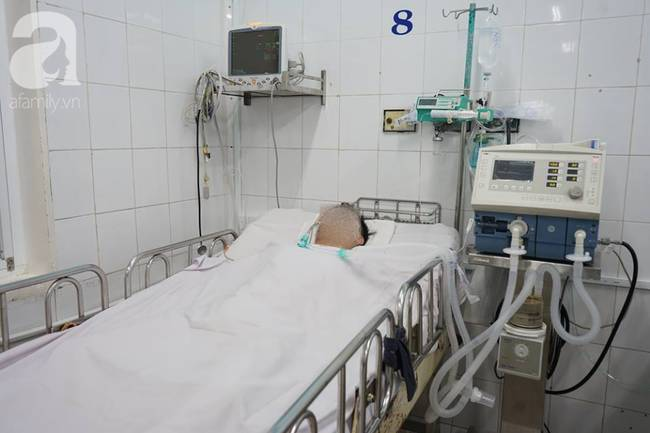 Vụ tai nạn liên hoàn tại Hàng Xanh: Mẹ bay vào Nam trong đêm, cha nghẹn ngào khi con mới đi làm đã gặp nạn-5