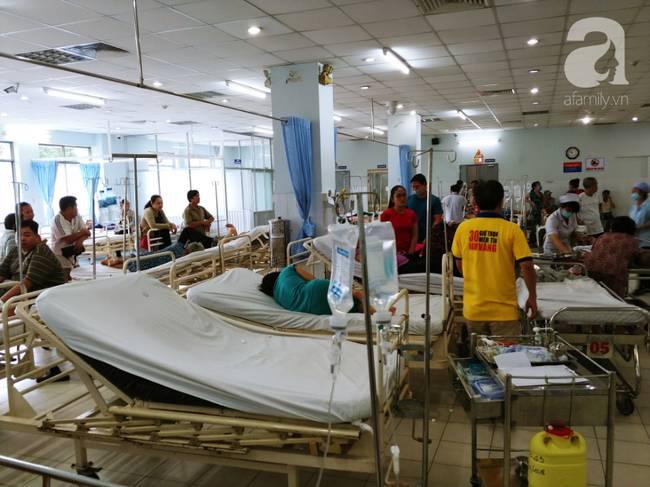 Vụ tai nạn liên hoàn tại Hàng Xanh: Mẹ bay vào Nam trong đêm, cha nghẹn ngào khi con mới đi làm đã gặp nạn-7
