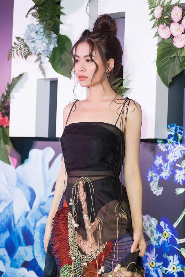 Mặc váy lộ nội y lại còn pha họa tiết nhìn gà hóa cuốc, Hoàng Thùy Linh bị chê tả tơi vì ăn mặc phản cảm-2