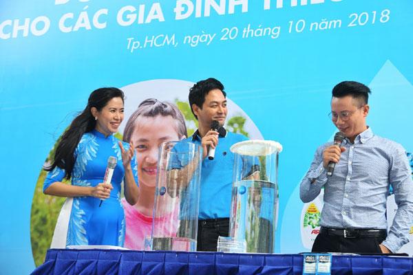 Người dùng chung sức mang nước sạch về quê nghèo-2