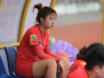 Nữ cầu thủ U19 Việt Nam khiến khán giả thốt lên: Chỉ là đá bóng thôi, có cần phải xinh vậy không?