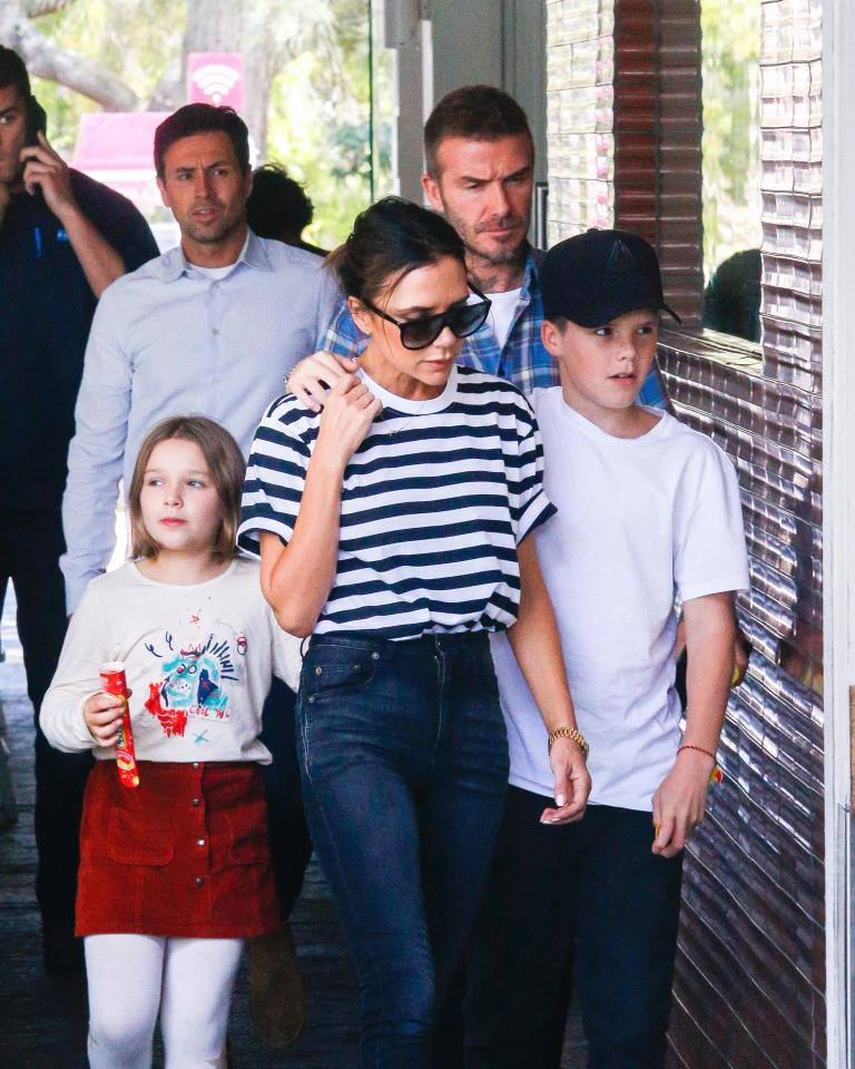 David Beckham mặt căng thẳng đưa bé Harper đi chơi sau khi nhà bị trộm đột nhập-3