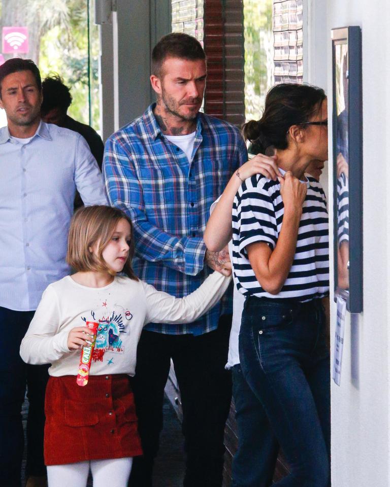 David Beckham mặt căng thẳng đưa bé Harper đi chơi sau khi nhà bị trộm đột nhập-5