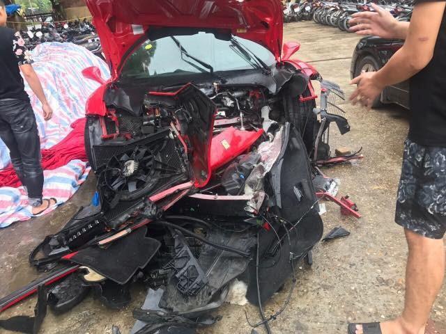 Số phận siêu xe Ferrari 16 tỷ của Tuấn Hưng ra sao sau tai nạn kinh hoàng, đầu xe nát tươm?-3